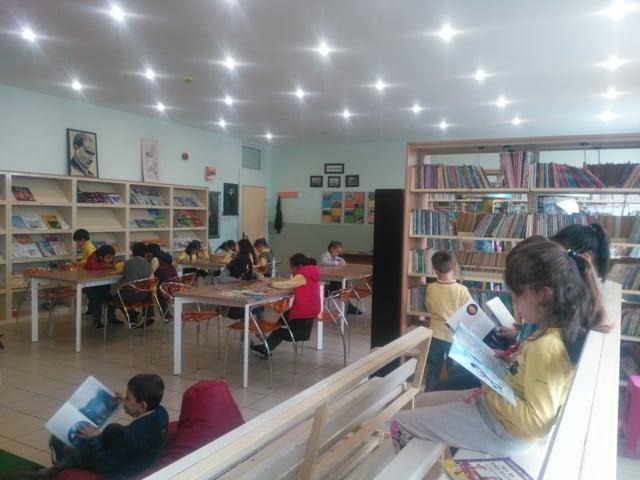 2-A Sınıfı Kütüphanede, Beden Eğitimi ve Oyun Dersinde